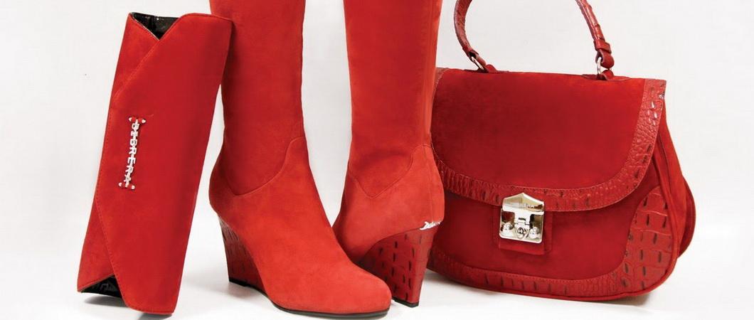 С чем носить красную сумку. Фото