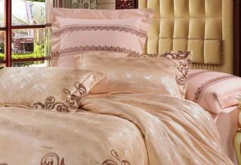 Шелковое постельное белье: мода на изысканность!