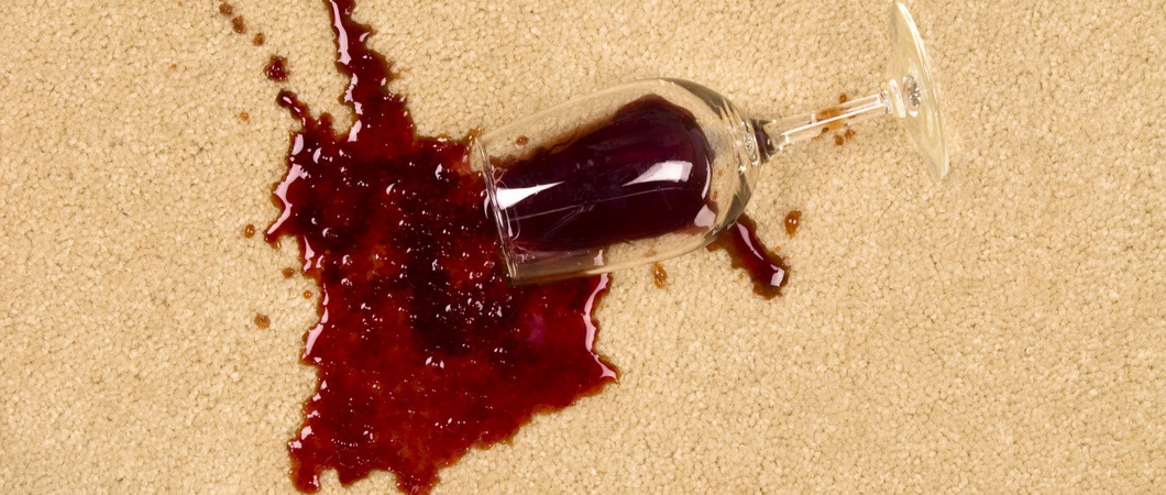 Вывести пятно вина красного из гипюра фото