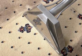 Как и чем чистить ковры в домашних условиях