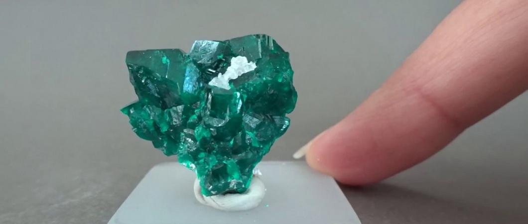 Диоптаз – камень, приносящий удачу